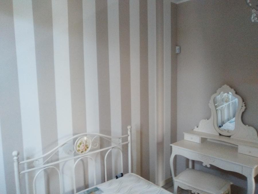 Pareti A Righe Orizzontali Tortora : Come dipingere una parete a righe foto abbinamento di pareti