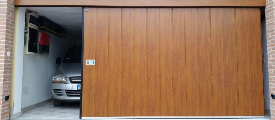 Costi e consigli per una porta garage automatica habitissimo - Porta garage scorrevole ...