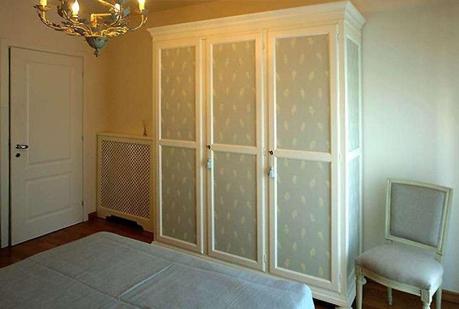 Come dipingere un armadio ko54 regardsdefemmes for Carta muro lavabile adesiva