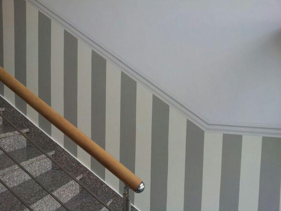 Preventivo dipingere interno condominio online habitissimo for Chiusura vano scala interno