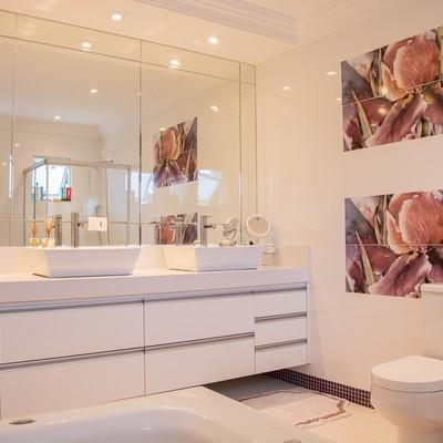 Che tipi di specchi da bagno scegliere?