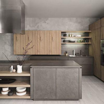 Ristrutturazione cucine con vari materiali
