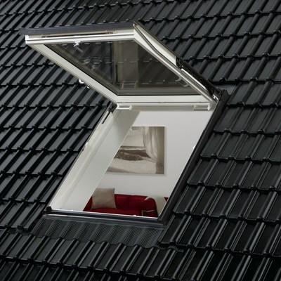 Guida e costi per installare finestre in tetti o lucernari for Costo montaggio velux