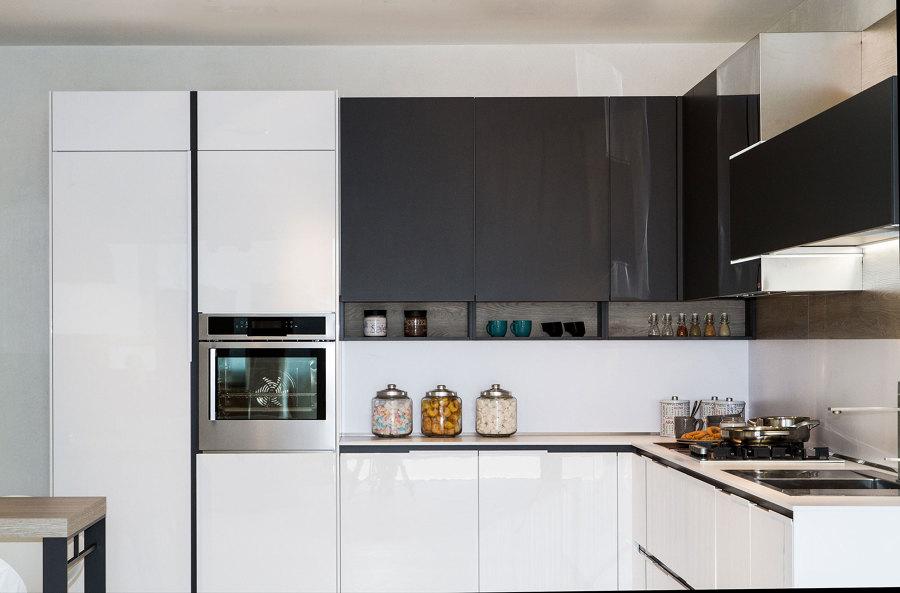 Idee consigli e prezzi per arredare la cucina habitissimo - Disposizione cucina ad angolo ...