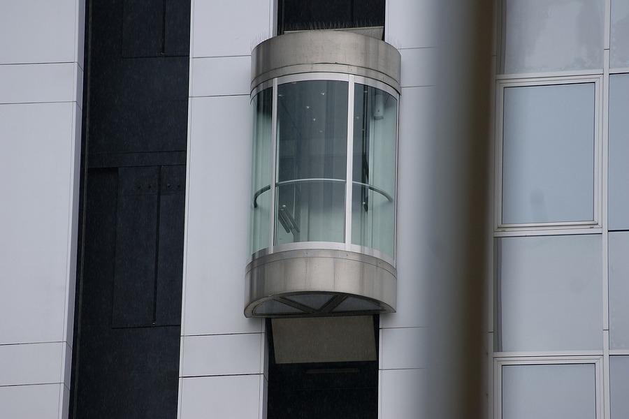 Preventivi e norme per l 39 installazione di un ascensore habitissimo - Ascensore esterno costo ...
