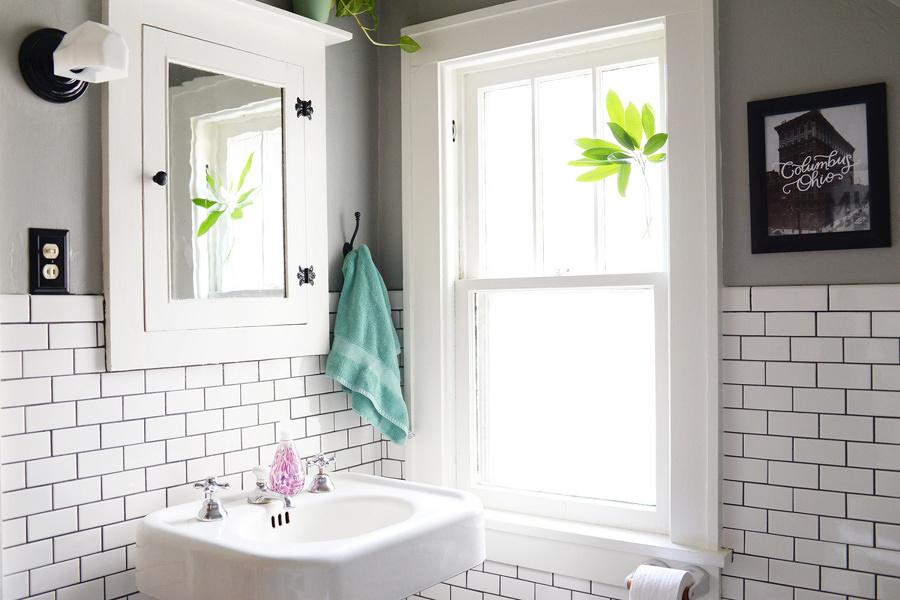 Idee e preventivi online per stuccare il bagno habitissimo - Stuccare piastrelle bagno ...