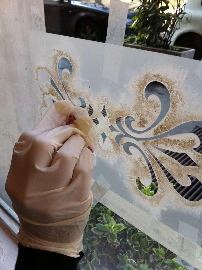 Preventivo pittura online habitissimo - Decorare i vetri delle finestre ...