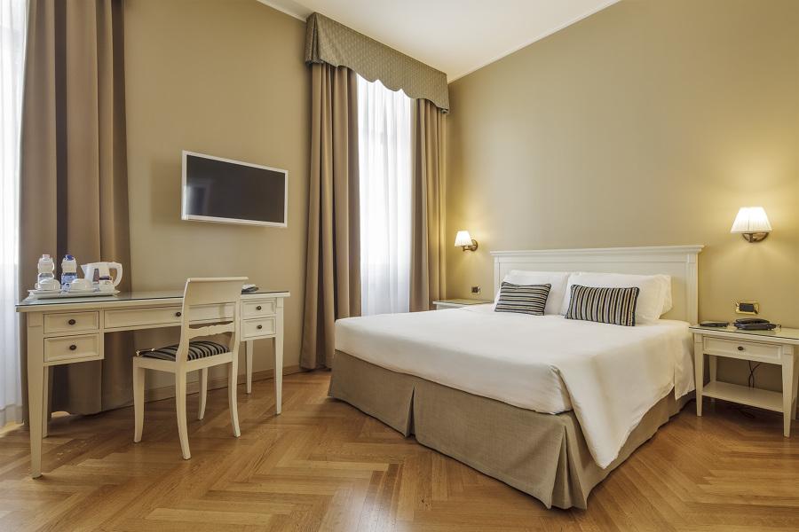 Come arredare un albergo costi e idee habitissimo for Arredo camere albergo