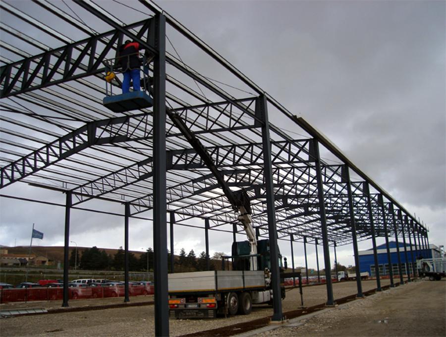Norme e prezzi per ampliare un capannone industriale for Capannoni in legno prezzi