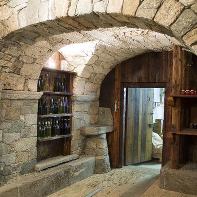 Costruire una cantina vantaggi consigli e prezzi - Costruire case in pietra ...