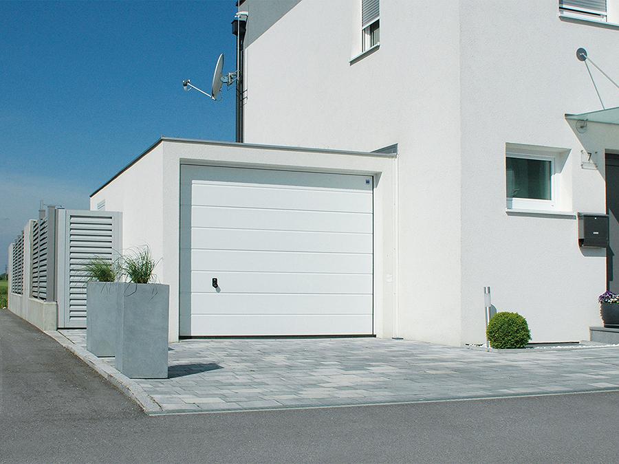 Costruire un garage preventivi e consigli habitissimo for Ampio garage per auto