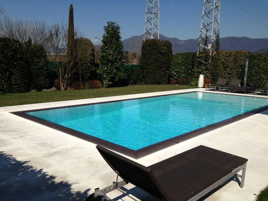 Come costruire una piscina in acciaio costi e consigli for Piscina acciaio