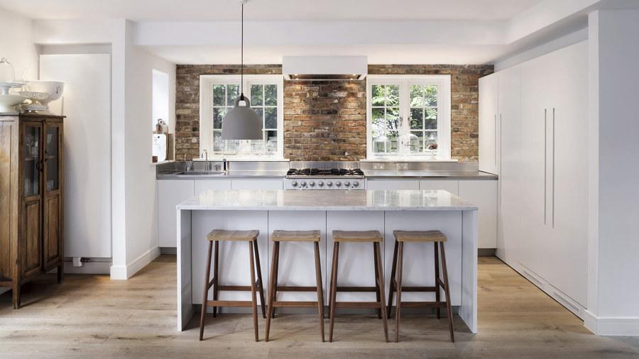 Costi e consigli per scegliere mobili per la cucina habitissimo - Tavolo isola cucina ...