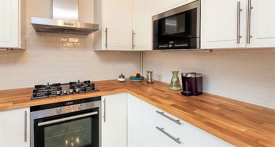 Costi e idee per costruire un piano di lavoro habitissimo - Piano lavoro cucina legno ...