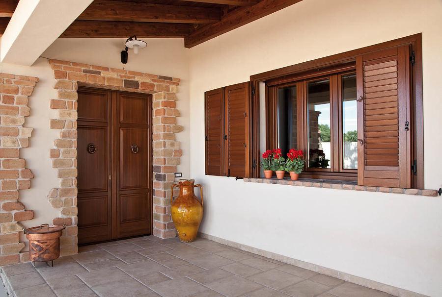 Riparare finestre in legno prezzi e guida habitissimo - Porte e finestre in legno prezzi ...