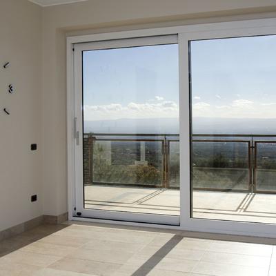 Preventivi e consigli per installare finestre in pvc habitissimo - Finestra scorrevole costo ...