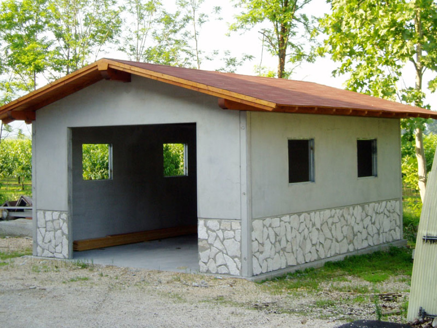 Costruire un garage prefabbricato i materiali e i costi for Due box auto