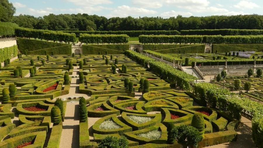 Idee piante e preventivi per ristrutturare un giardino - Giardino francese ...