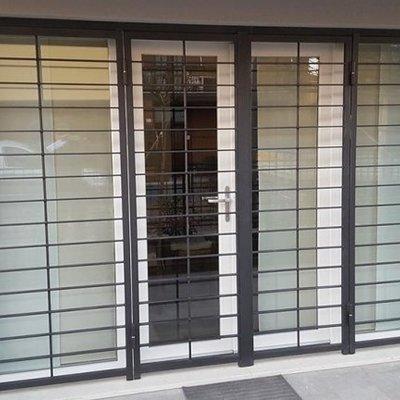 Prezzi per installare inferriate in alluminio habitissimo for Porta finestra prezzi