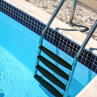 Scaletta per piscina a corpo unico