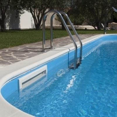 Scaletta per piscina inclinata