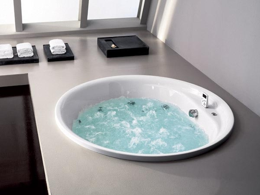 Preventivo installare vasca idromassaggio online habitissimo - Vasca da bagno circolare ...