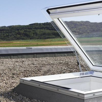 Installare finestre prezzo e preventivi online habitissimo for Lucernario prezzo