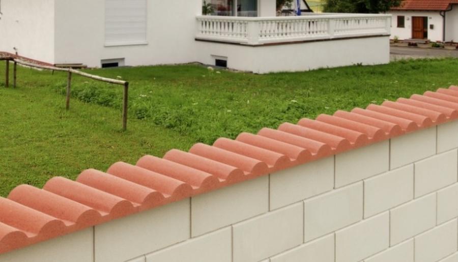 Prezzi e materiali per costruire un muro di recinzione for Disegni di blocchi di cemento casa