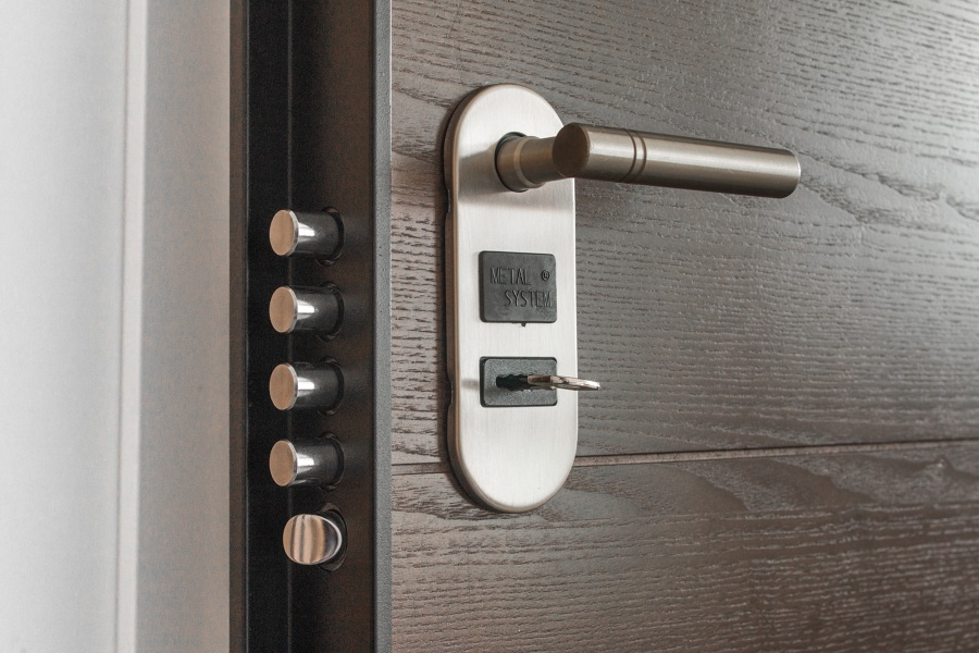 Installare serratura con cilindro digitale biometrico