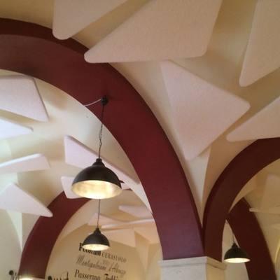 Pannelli acustici fonoassorbenti per soffitti a volta