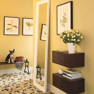Dipingere l'anticamera di giallo