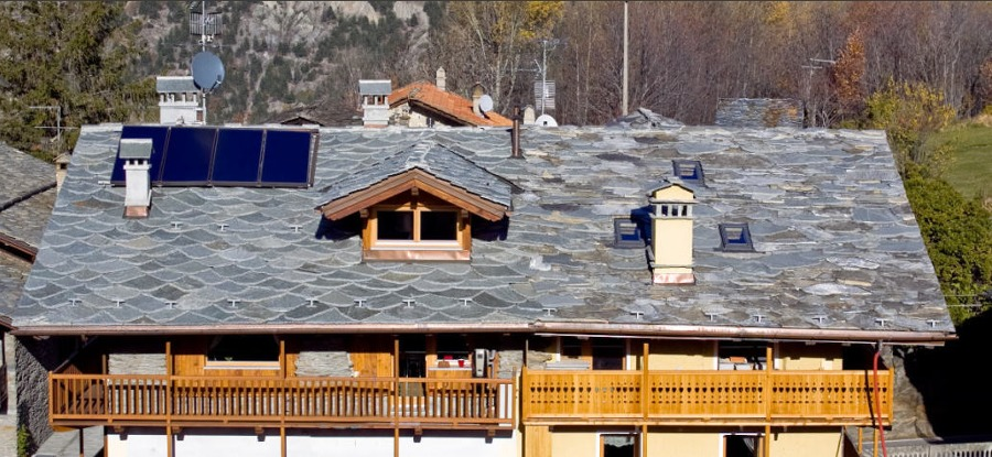 Piastrelle in pietra naturale per tetti