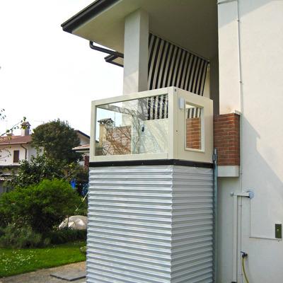 Preventivi e norme per le piattaforme elevatrici in casa for Piani a forma di l per piccoli lotti