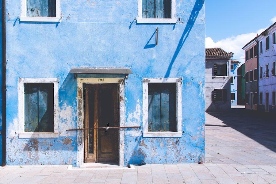Prezzi e idee per una ristrutturazione esterno casa - Zoccolo esterno facciata ...