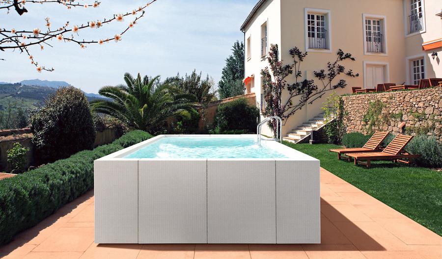 Preventivi e idee per la costruzione di piscine habitissimo for Piscine fuori terra rivestite