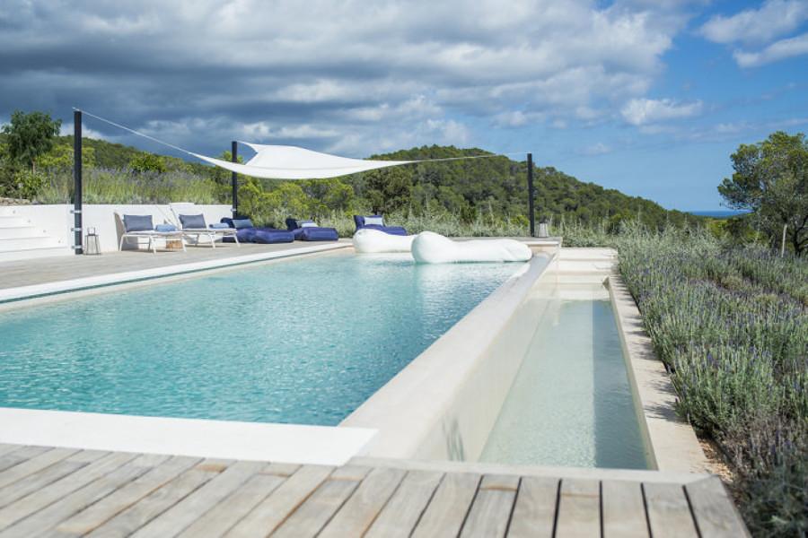 Guida alla scelta della piscina costi consigli e idee habitissimo - Piscina seminterrata prezzi ...