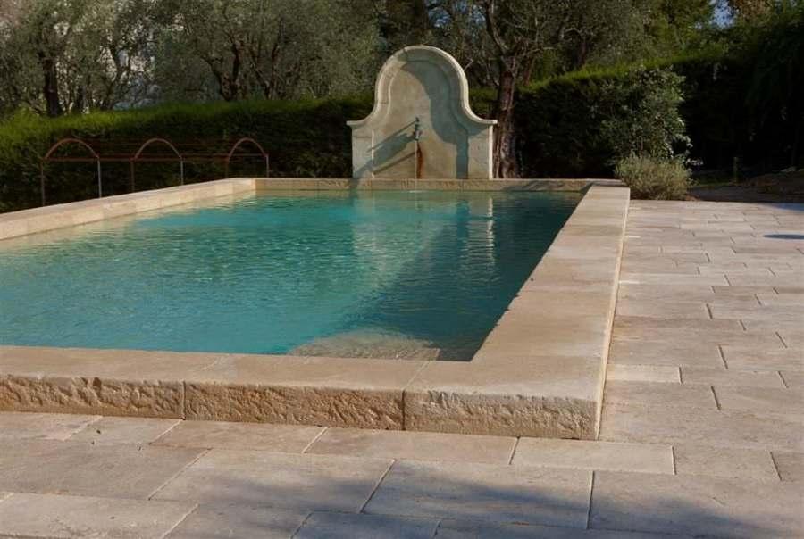 Quale rivestimento per la piscina costi e idee habitissimo - Piscine in pietra ...