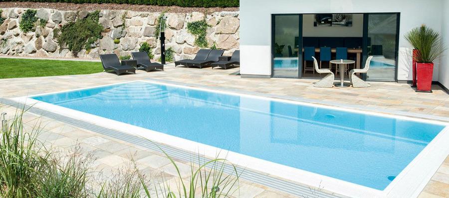Realizzare i bordi della piscina prezzi foto e idee - Realizzare una piscina ...