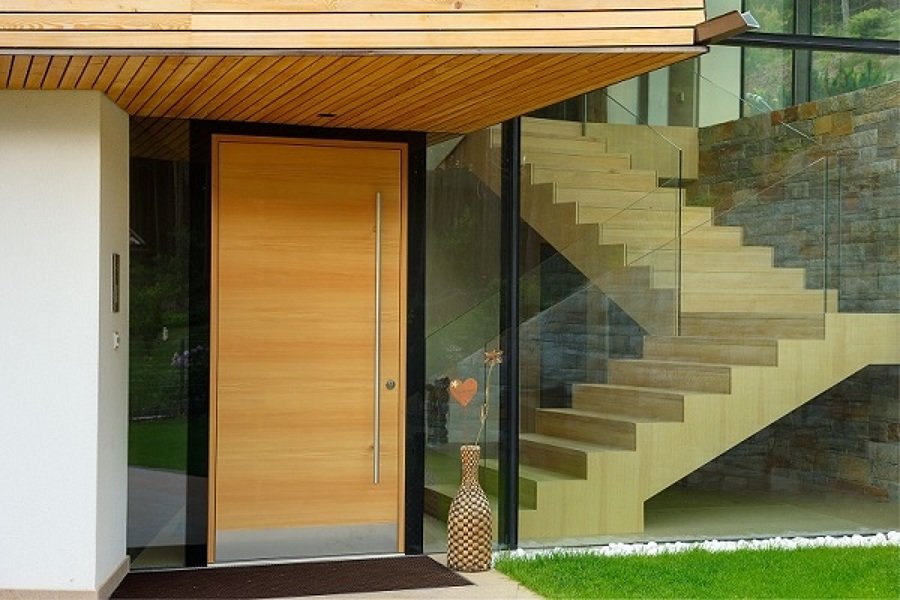 Porta d'ingresso in legno massello