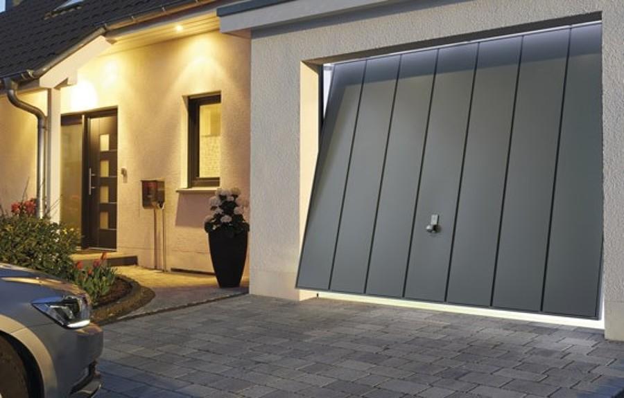 Preventivi porte garage e saracinesche tipologie e prezzi for Prezzi del garage 30x30