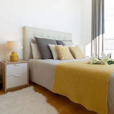 Pulire testata del letto