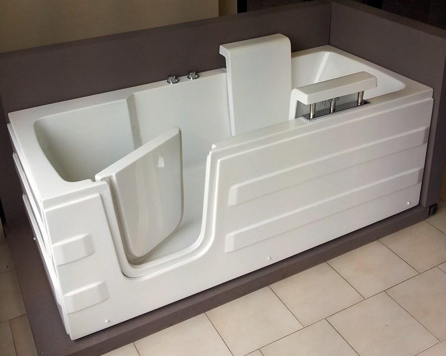 Prezzi e guida per rifare il bagno di casa habitissimo - Vasca da bagno per disabili agevolazioni ...