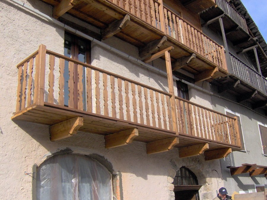 Preventivo dipingere balcone online habitissimo - Ringhiere in legno per esterni ...