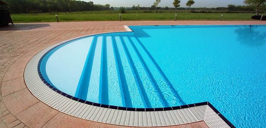 Costruire scala in muratura per piscina prezzi e consigli - Piscina in muratura ...