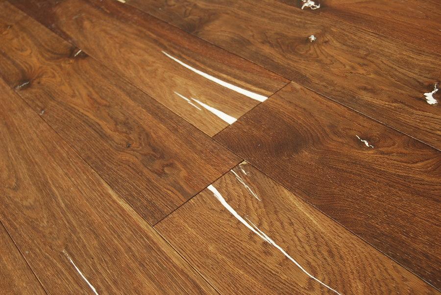 Come lucidare il parquet simple come pulire pavimenti in for Verniciare parquet senza levigare