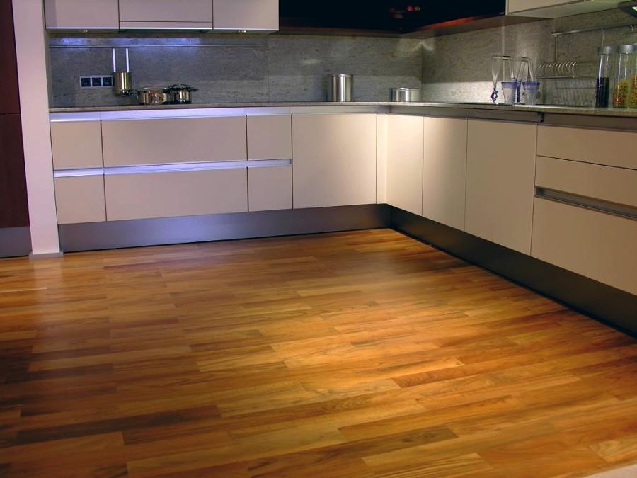 Beautiful Pavimento Laminato In Cucina Contemporary - Orna.info ...