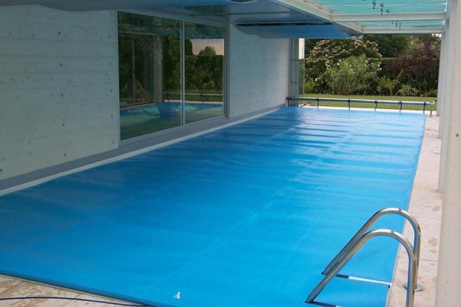 Quale telo per coprire la piscina prezzi e consigli habitissimo - Saldatura telo pvc piscina ...