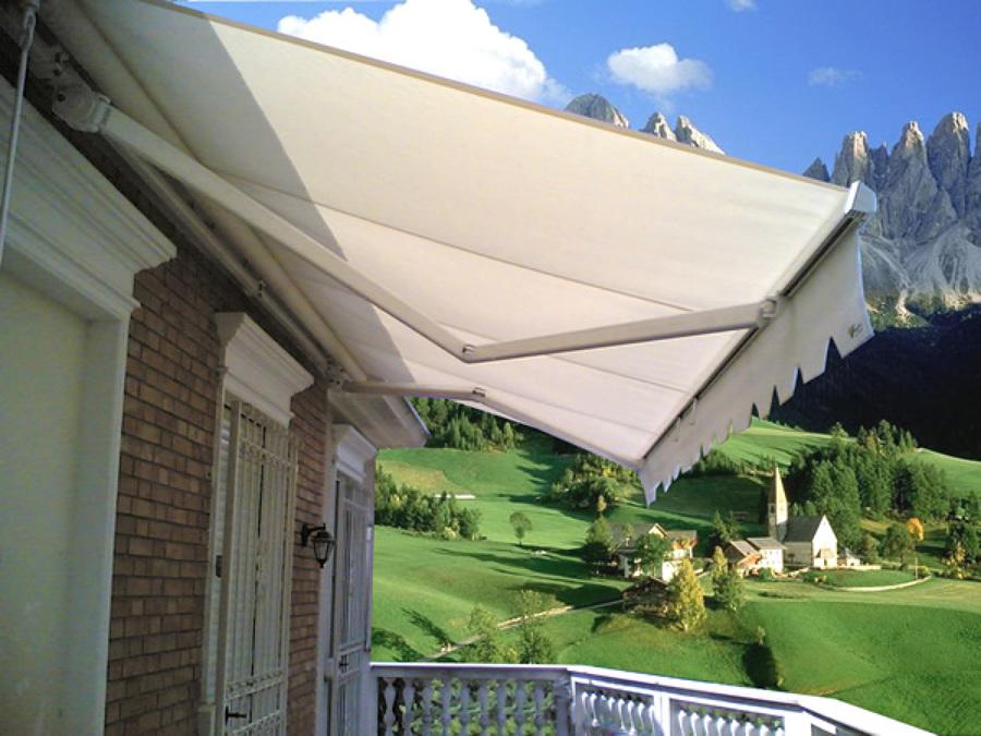 Tende Da Sole Resistenti Alla Pioggia.Preventivi E Materiali Per Una Tenda Da Sole A Caduta Habitissimo