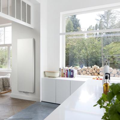 Termosifoni arredo cool termoarredo soggiorno prezzi - Radiatori a parete prezzi ...