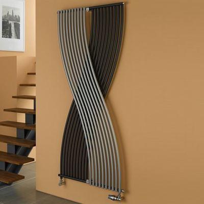 Termosifoni a parete modelli prezzi e materiali habitissimo for Termosifoni per bagno prezzi